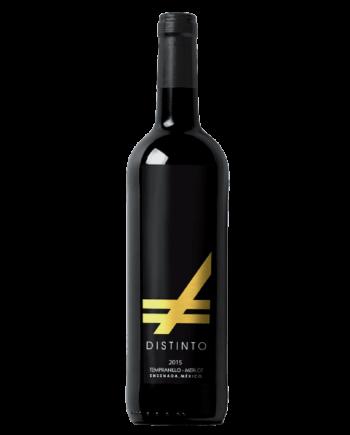 bottle of Distinto Tempranillo Merlot Vinos Expresion